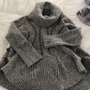 Sweater Anthropologie Turtle neck. Cozy.